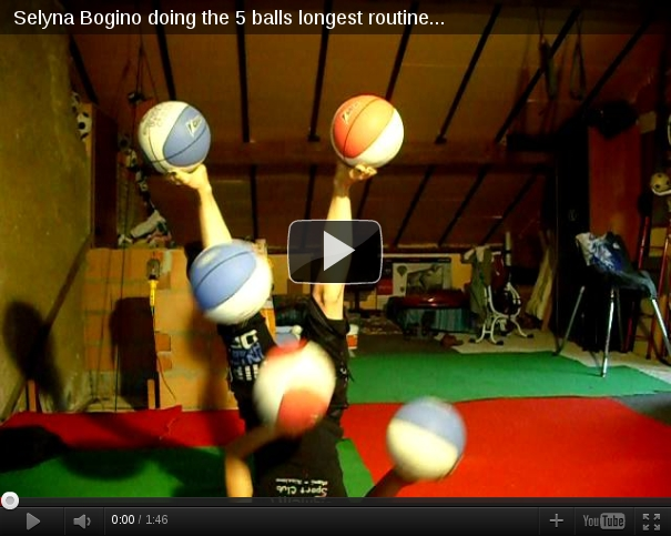 amazing juggling routine
